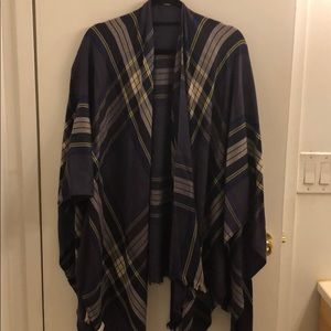 Lululemon Purple Plaid Pashmina, never worn